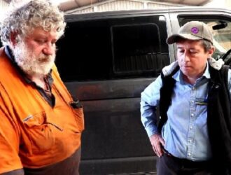 Tim Quilty M.P. & Chris Crump discuss red gum industry mistreatment in N.S.W. (video).