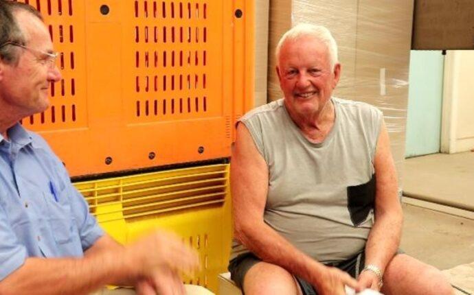 Phillip Williamson. The Great Australian Squeeze (Orange juice).